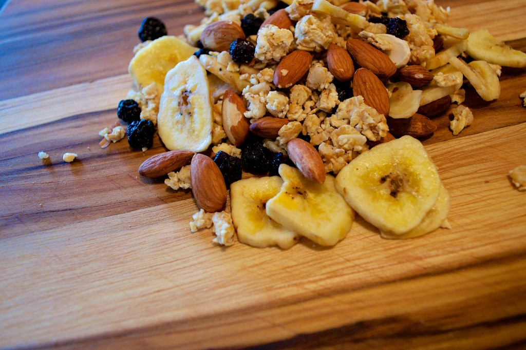 Banana Blueberry Trail mix